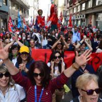 Lo sciopero dei venticinquemila: 'A Bari sfila la rabbia della scuola'