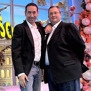 Striscia la notizia, Fabio e Mingo indagati a Bari con il finto avvocato: simulazione di reato