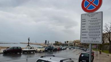 Foto  Sosta per i trenini dei croceristi a Bari boom di multe per il cartello folle  di FRANCESCO PETRUZZELLI
