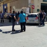 Taranto, Far West fra la gente in pieno giorno: sparatoria tra pregiudicati che si...