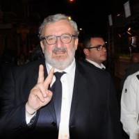 Puglia, Emiliano vuole tagliare gli stipendi ai consiglieri regionali: da 8mila a 5mila euro