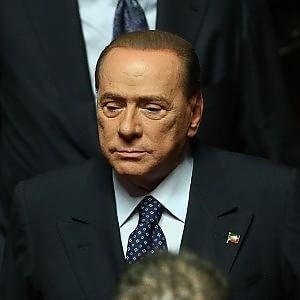 Processo escort, il tribunale di Bari ordina l'accompagnamento coatto per Berlusconi