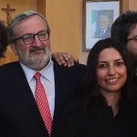 """Puglia, Emiliano e le critiche per la compagna addetta stampa: """"La legge non me lo..."""