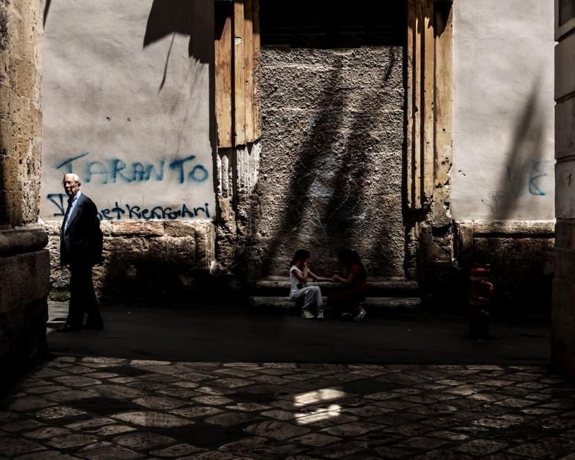 Taranto vecchia, luci e ombre negli scatti di Mezzenga