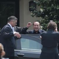 """Processo escort, revocato a Bari l'accompagnamento coatto per Berlusconi. E lui: """"Ci sarò"""""""