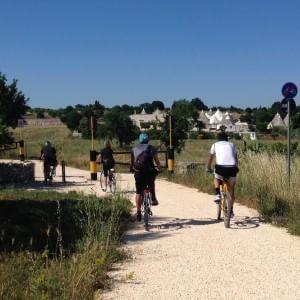 Puglia, in bici sulla ciclovia dell'Acquedotto: la petizione ha già raccolto 10mila firme