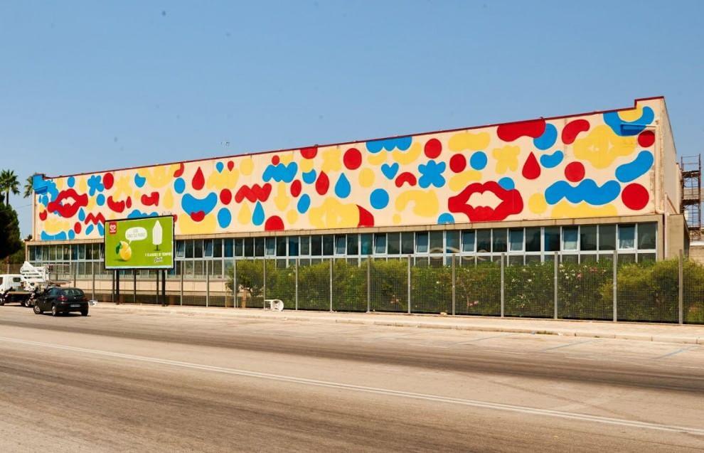 Bari, la street art colora lo stadio del nuoto