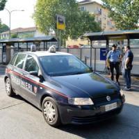Lecce, uccide la moglie in strada e si suicida: si stavano separando