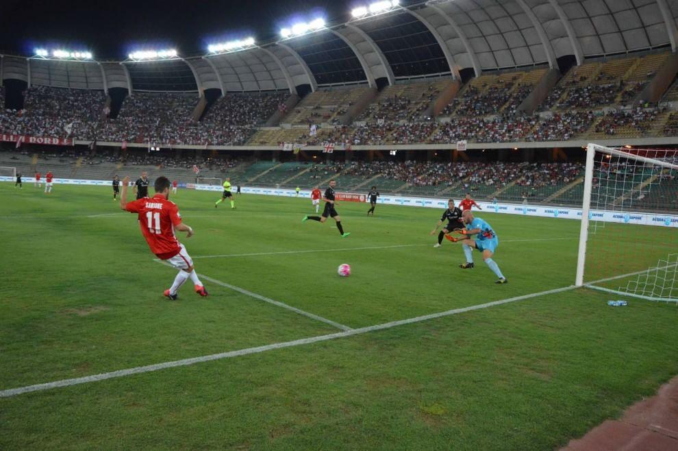 Bari-Foggia, il derby delle polemiche in ricordo di Mancini