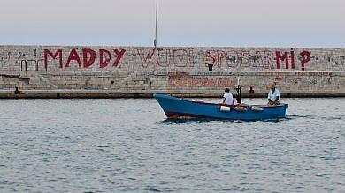 Foto   Bari, chiede in sposa la fidanzata  con un murale: multato dai vigili urbani