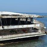 Bari, incendio al ristorante abbandonato Grotta Regina si indaga sulla pista dolosa   foto