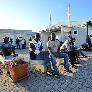 "Bari, gara di solidarietà per ospitare in casa i migranti: ""Una grande lezione di civiltà"""