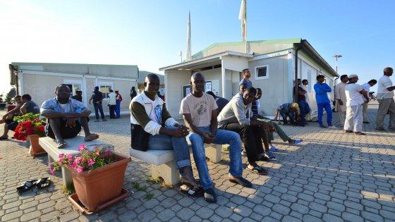 Bari gara di solidariet per ospitare in casa i migranti for Ospitare a casa