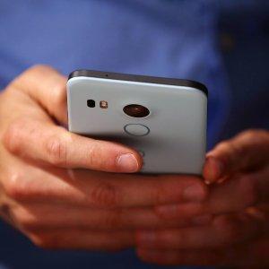 Bari, cittadini sentinelle dell'ambiente: gli smartphone rileveranno l'inquinamento