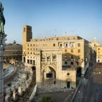 Lecce, insegnante di lettere precaria fa la guida turistica senza abilitazione:
