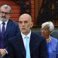 Puglia, bando su misura per un amico: si dimette Liviano, assessore regionale