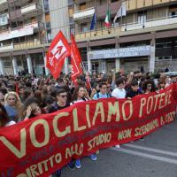 Bari, 2mila studenti in corteo contro la 'Buona scuola'