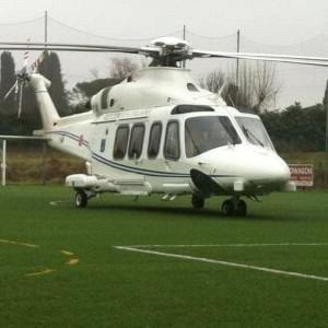 Fuga di notizie sull'atterraggio d'emergenza dell'elicottero di Renzi: puniti due militari