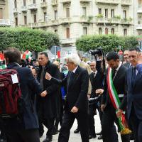 Bari, Mattarella al Petruzzelli accolto dalle scolaresche