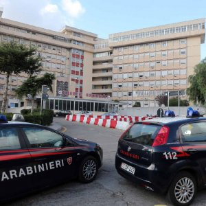 Lecce, ergastolano evaso dall'ospedale: ricerche senza esito in tutta la regione