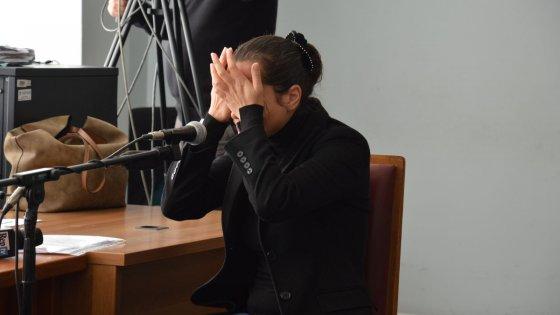 """Bari, la Began piange al processo escort: """"Ho amato Berlusconi, ora mi pento per quello che ho fatto"""""""