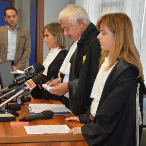 """Processo escort, atti in procura: """"Berlusconi potrebbe aver intralciato la giustizia"""""""