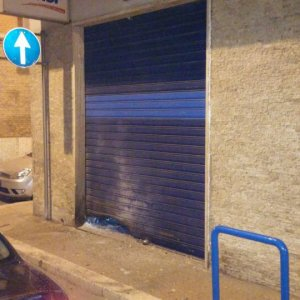 Foggia, bomba distrugge negozio in centro: si indaga sul racket delle estorsioni