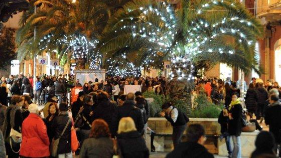 Natale il comune di bari a cittadini e commercianti for Luminarie puglia