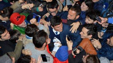 Bari, l'assalto dei tifosi dell'Inter a Zanetti e Toldo
