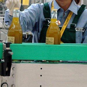Olio d'oliva, gli italiani tagliano i consumi. E la Puglia lancia la risonanza magnetica antitruffe
