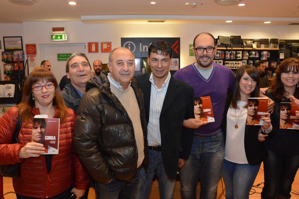 Tovalieri e Bari, l'autobiografia del Cobra a suon di gol