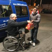 Bari, il 'grazie' dei disabili agli immigrati nei self service: