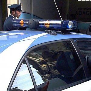 Taranto, sorvegliato speciale senza patente si schianta con l'auto: era drogato e ubriaco