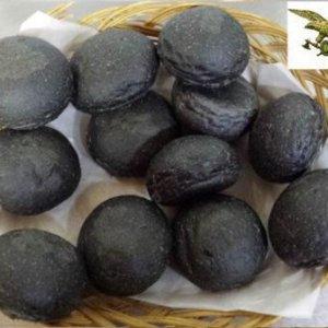 Puglia, colorante proibito nel pane nero al carbone vegetale: denunciati in 12 per frode