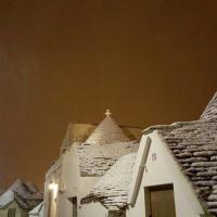 Neve, dai trulli a Castel del Monte: la Puglia imbiancata