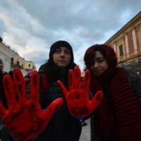 Unioni civili, anche la Puglia in piazza. A Bari in centinaia con Emiliano: