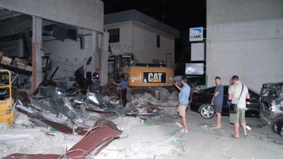 Foggia, assalto a caveau e portavalori con armi da guerra e tecniche militari: 12 arresti
