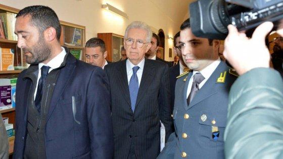 """Trani, Monti testimone nel processo a Standard & Poor's: """"Mai parlato di attacco a Europa"""""""