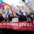 """Adozioni gay, il presidente dei pediatri pugliesi: """"I bambini non corrono alcun rischio"""""""