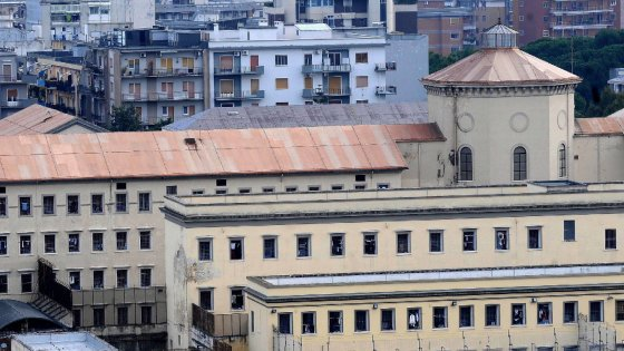 Bari, la cella era troppo stretta: il ministero della Giustizia pagherà 1.800 euro all'ex detenuto
