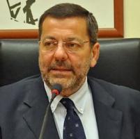 Brindisi, il sindaco arrestato si dimette: tutti i consiglieri se ne vanno