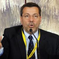 Brindisi, il sindaco Consales lascia dopo l'arresto: a giugno si vota. E spunta il nome...