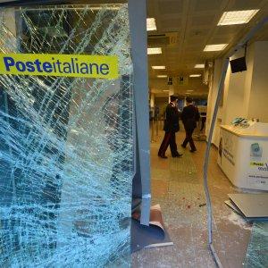 """Puglia, postamat in funzione solo in orario d'ufficio: """"Troppi furti nelle ultime settimane"""""""