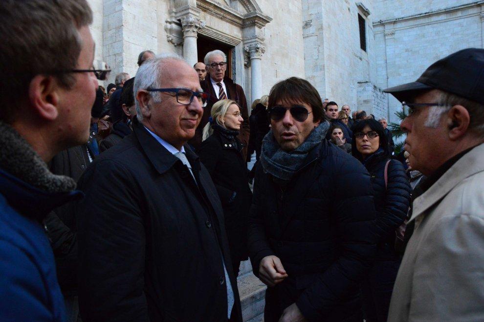 Bari il citt conte ai funerali del tifoso albergatore for Ai 2 ghiottoni bari
