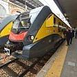 """Foto  Bari, per l'aeroporto  in servizio tre nuovi treni 2.0 """"Gli orari dei voli in diretta"""""""