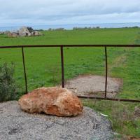 Cartelli abusivi e cancelli, la Puglia del mare negato