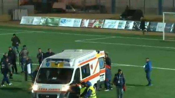 Bari, allontana un petardo lanciato dai tifosi sul campo di calcio: steward perde tre dita