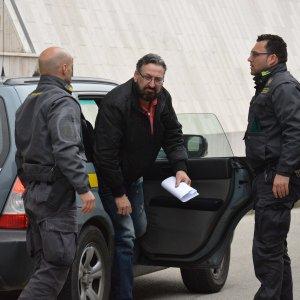 Bari, un euro al clan per ogni chilo di pesce: 11 arresti tra i Parisi, anche il fratello di Savinuccio