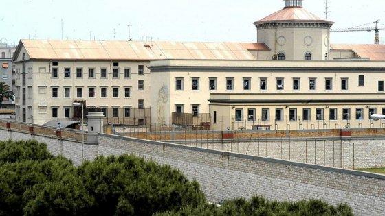 """Bari, i boss si dividono anche le sezioni del carcere. Il pentito: """"Ogni clan ne controlla una"""""""