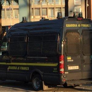 Foggia, 24 arresti per una maxi truffa all'Inps: ai domiciliari due dipendenti dell'istituto